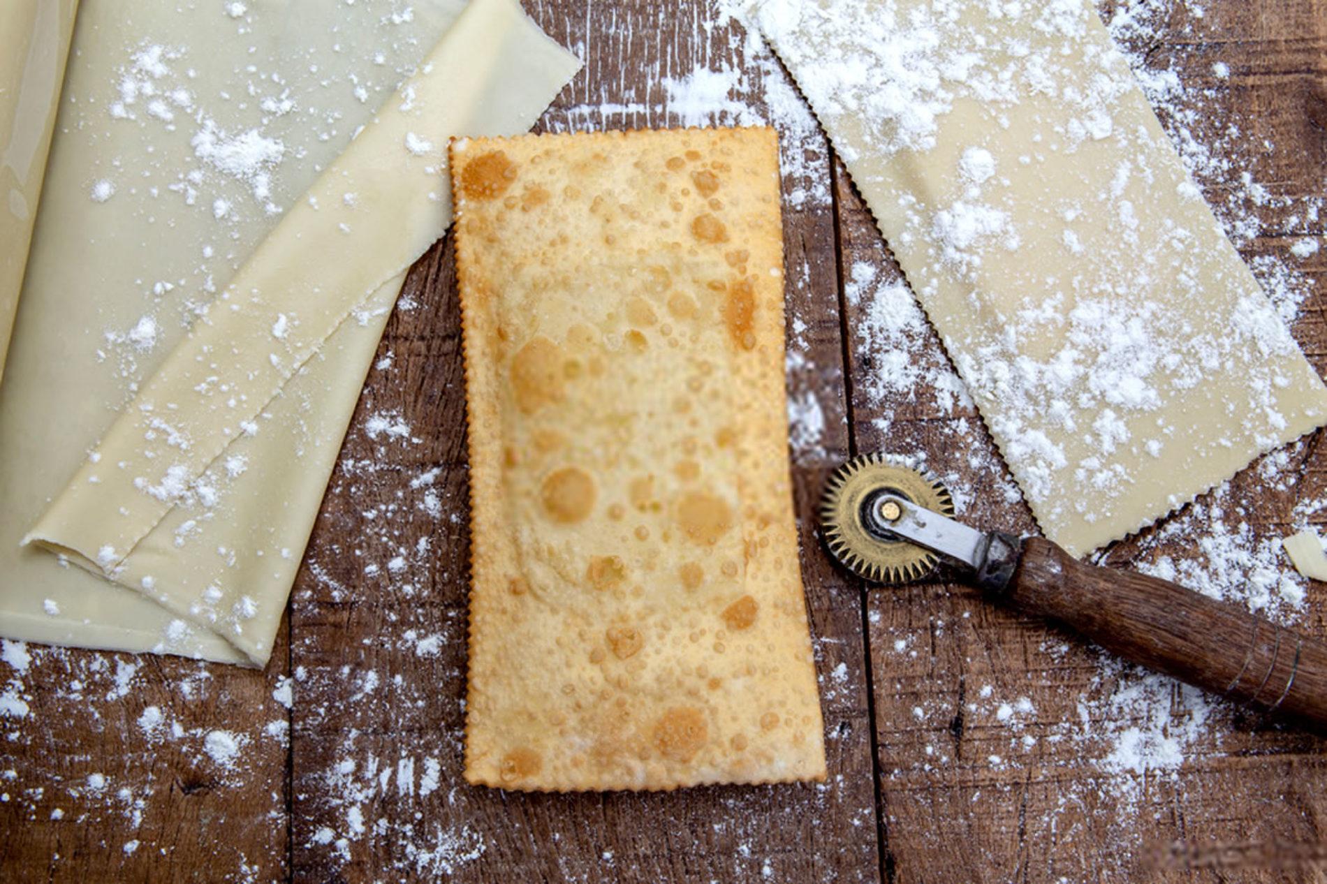 Como fazer pastel de feira – Delicioso e fácil