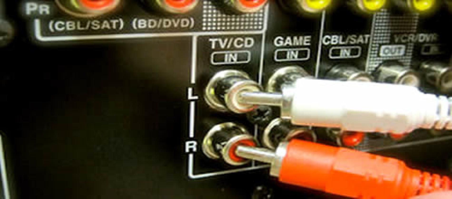 Como conectar o computador no aparelho de som
