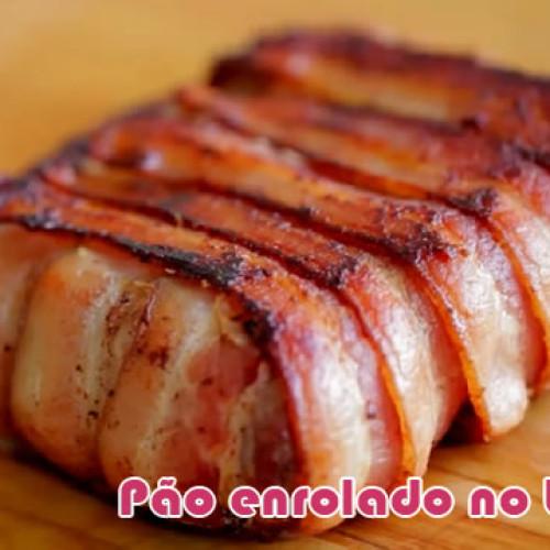 Pão com queijo enrolado no bacon e grelhado