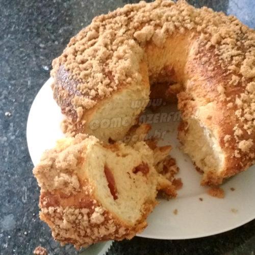 Como fazer pão cuca com farofa na forma de pudim